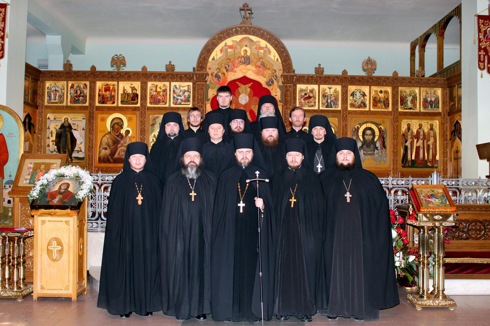 тихвинский монастырь в тихвине официальный сайт требы