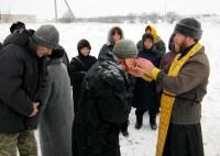 Поклонный крест при дороге на въезде в хутор Нагорный Камышинского района