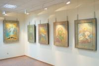 Выставка с ликами святых