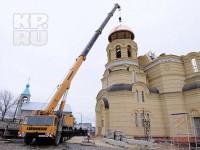 29 марта на звонницу храма святого праведного Иоанна Кронштадского установили освященные колокола и купол