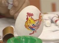 Известные волгоградцы расписали пасхальные яйца