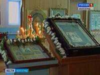 В храм Похвалы Пресвятой Богородицы из Иловлинского района привезли кровоточащую икону Казанской Божией Матери и икону с частицей мощей святой Матроны Московской