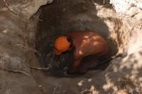 В прошлые выходные в Ахтырском женском монастыре в селе Гусёвка Ольховского района найден старинный склеп