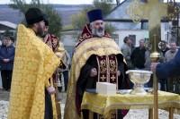 В селе Нижняя Добринка был освящён Поклонный крест
