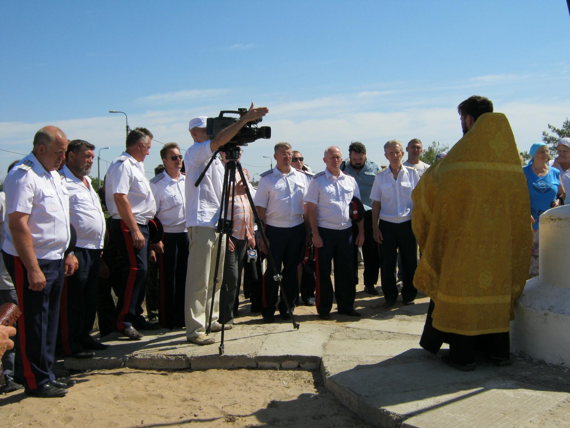 В Камышине появились два Поклонных креста
