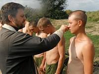 Под Волгоградом солдат крестили прямо в поле