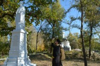 Установка и освящение памятника