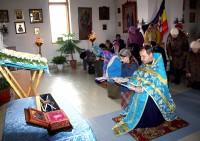 Передача святынь в дар Успенской церкви