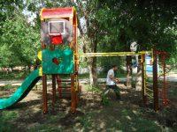 Монтаж детской площадки на приходе