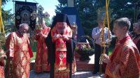 Возложение венков к памятнику павшим солдатам