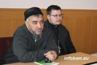 Беседа священника и имама с заключёнными