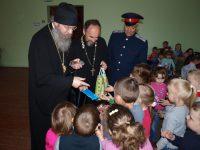 Епископ Елисей побывал на детском празднике