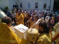 Освящение креста и купола на храм