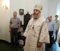 Божественная литургия в храме Димитрия Донского