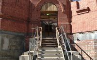 Литургия в Александро-Невском соборе