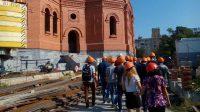 Визит студентов на стройплощадку собора