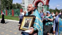 В Волгоград прибыла мироточивая икона