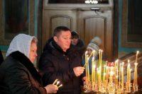 Губернатор побывал на рождественском богослужении